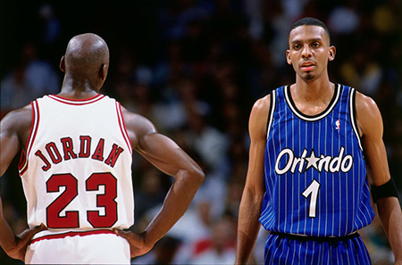 Penny Hardaway and Micheal Jordan on the court.